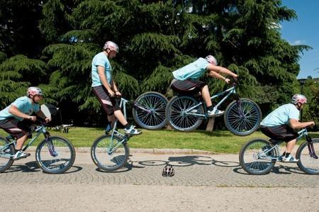 come-fare-un-bunny-hop-con-la-bicicletta_5f9b2ee134fc438fe1f65335a4b4f821