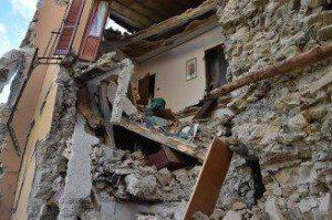 Terremoto_arquata_del-tronto_GettyImages-594748486-328x218