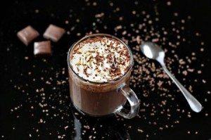 cioccolata-calda-con-panna-ricetta